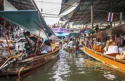 Servizio di galleggiamento di Damnoen Saduak Fotografia Stock Libera da Diritti