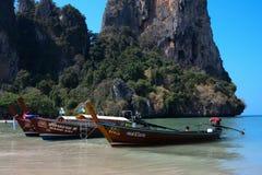 Servizio di taxi lungo della barca in Krabi, Tailandia fotografie stock libere da diritti