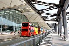Servizio di trasferimento del passeggero dell'aeroporto di Hong Kong Immagine Stock Libera da Diritti