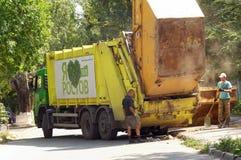 Servizio municipale della città di pulizia dell'immondizia Rostov-On-Don, Russia 17 AGOSTO 2015 Fotografia Stock