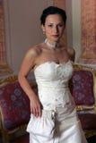 Serxy Braut im weißen Korsett stockfotos