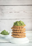Sesame crispbread with guacamole Stock Photography