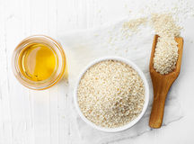 Sesame seed oil and sesame seeds Royalty Free Stock Photos
