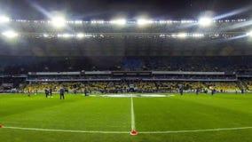 Sesión de formación en el estadio antes del partido de fútbol metrajes