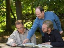 Sesión del estudio de la biblia Imagen de archivo