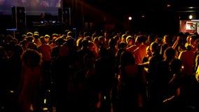 Sesión Sala Apolo de DJ del partido de disco de la noche de Barcelona almacen de metraje de vídeo