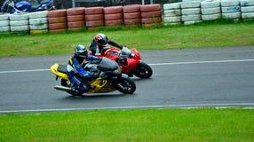 Sessão da equitação da motocicleta no centro da raça de WallraV Imagens de Stock Royalty Free