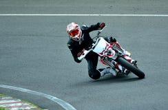 Sessão da equitação da motocicleta no centro da raça de WallraV Foto de Stock Royalty Free