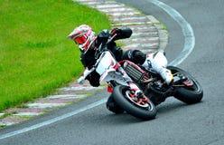 Sessão da equitação da motocicleta no centro da raça de WallraV Imagem de Stock Royalty Free