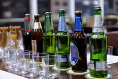 Sessão de gosto na cervejaria de Baltika - de St Petersburg Imagens de Stock Royalty Free