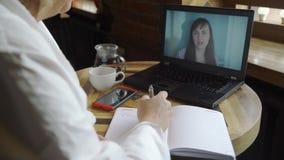 Sessão de terapia em linha de Psychologyst vídeos de arquivo