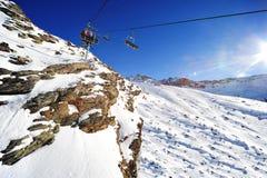 Sessellifte in den Alpen Stockfotos