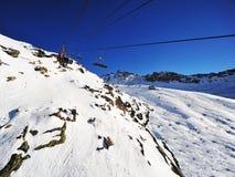 Sessellifte in den Alpen Stockbilder