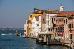 Sestiere Cannaregio i Venedig, Italien Arkivfoton
