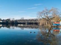 Sesto Calende Lombardy, Italien, järnbro på floden Ticino Royaltyfri Foto