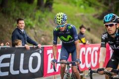 Sestriere, Italia 30 de mayo de 2015; El grupo de ciclistas profesionales aborda la subida pasada antes de arriva Imagenes de archivo