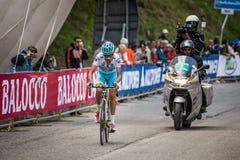 Sestriere, Włochy 30 2015 Maj; Fabio Aru brać się do ostatnią wspinaczkę przedtem przed wygrywać Zdjęcie Royalty Free
