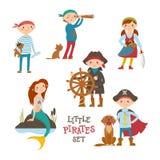 Set ślicznej kreskówki mały pirat, żeglarzów dzieciaki i syrenka, ilustracji