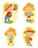 Set śmieszny kreskówki dziewczyny i chłopiec zbierać royalty ilustracja