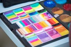 Set akwareli farby w pudełku Selekcyjna ostrość fotografia royalty free