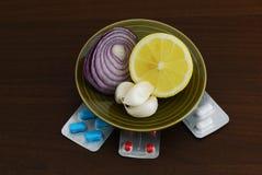 Set alternative Hilfsmittel für Grippebehandlung Lizenzfreies Stockfoto