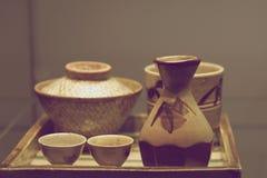 Set antykwarscy ceramiczni naczynia z wzorem Zdjęcia Royalty Free