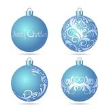 Set av blåa julbollar på vit bakgrund. vektor illustrationer