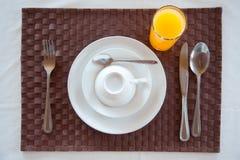 Set av frukostbordsservis Fotografering för Bildbyråer