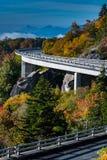 Set av Linn Cove Viaduct i nedgång Royaltyfri Bild