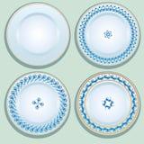 Set Biały porcelana talerz z błękitnym ornamentem, wzorzysty round Obraz Royalty Free