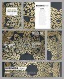 Set biznesowi szablony dla prezentaci, broszurki, ulotki lub broszury, Złoty mikroukładu wzór na ciemnym tle z Fotografia Royalty Free