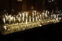 Set blaski świecy w kościół w Wiedeń obraz stock