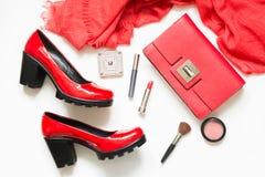 Set czerwoni kobiety ` s akcesoria dla sukni, specjalnego wydarzenia lub wakacje nowy wygląd, koktajlu, Mieszkanie nieatutowy Odg Zdjęcie Stock