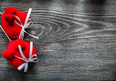 Set czerwoni tkanin serca na drewnianej deski kopii przestrzeni wakacjach kantuje Obraz Royalty Free