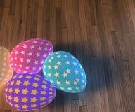 Set dekoracyjni Easter jajka z różnymi wzorami na drewnianym tle fotografia royalty free