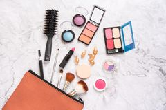 Set dekoracyjni kosmetyki i akcesoria dla kobiet obraz stock