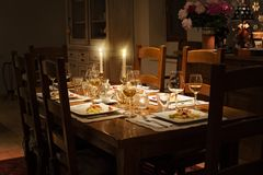 Set Dinner Table