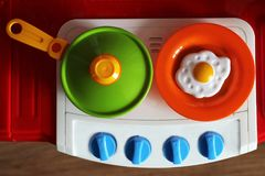 Set dzieciaków naczynia Dziecka ` s zabawki Dziecka ` s kuchni gra Obrazy Royalty Free