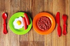 Set dzieciaków naczynia Dziecka ` s zabawki Dziecka ` s kuchni gra Fotografia Royalty Free