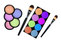 Set of 5 eyeshadows and brushes isolated on white Royalty Free Stock Photography