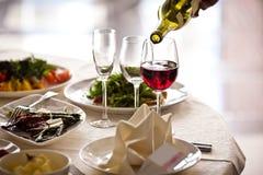 set för drinkexponeringsglasrestaurang Royaltyfria Foton