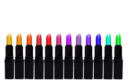 Set Farbenlippenstifte Lippenstiftsatz lokalisiert auf weißem backgroun Lizenzfreies Stockbild