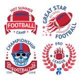 Set futbol amerykański etykietki z płonącą piłką, scull w hełmie, bobek wektor royalty ilustracja