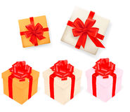 Set Geschenkkästen mit Farbbändern. Vektor Lizenzfreie Stockfotos