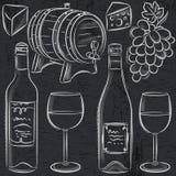 Set glases i butelki dla wina na blackboard Fotografia Stock