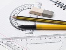 Set Hilfsmittel für das Zeichnen auf die Übungsteilseite Stockfotos