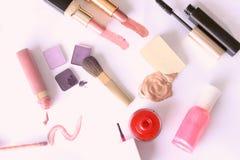 set hjälpmedel för makeupprofessionell arkivbild