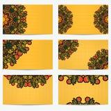 Set horyzontalne wizytówki z kwiatami i jagodami Jaskrawy rocznika wzoru styl Khokhloma dla artystyczny i kreatywnie compan ilustracji