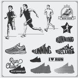 Set jogging i biegać klub etykietki, emblematy, odznaki i projektów elementy Działających butów ikony i sylwetki biegacze Fotografia Stock
