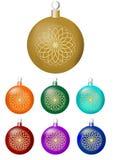 Set klasyczne boże narodzenie piłki z świetnym okręgu złota wystrojem Odosobniony projekta element w różnych kolorach - złoto, po Obrazy Royalty Free
